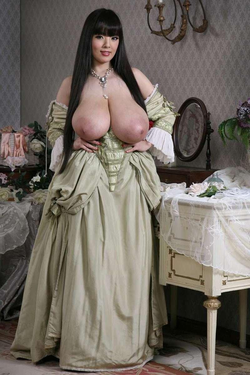 Zog ihr Kleid hoch Ficken